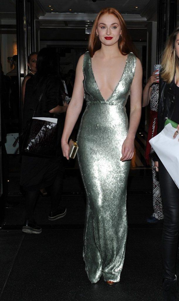 Sophie Turner Bra Cleavage Pics