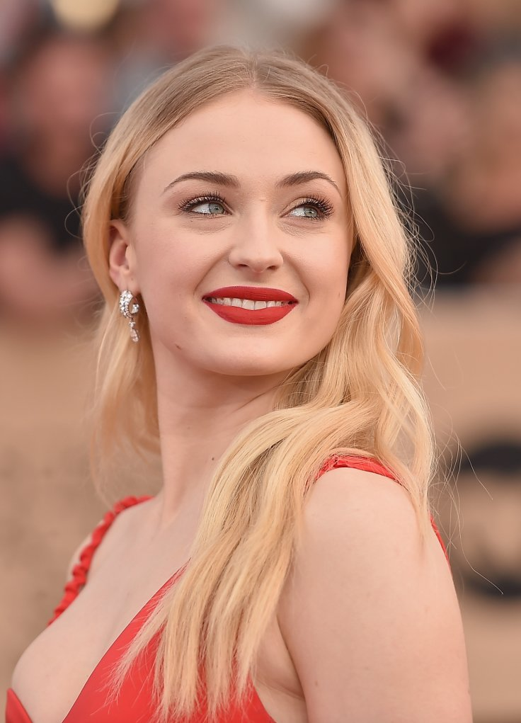 Sophie Turner Topless Pics