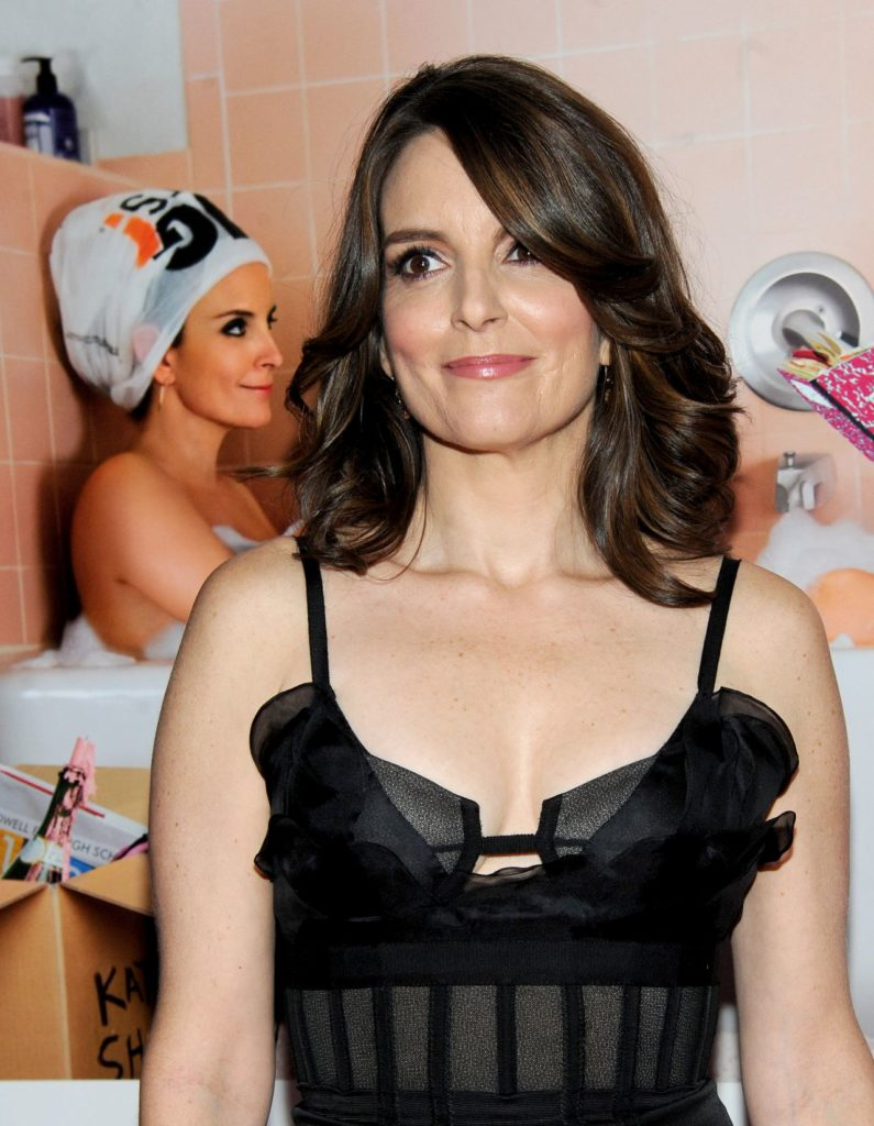 Tina Fey Body Wallpapers