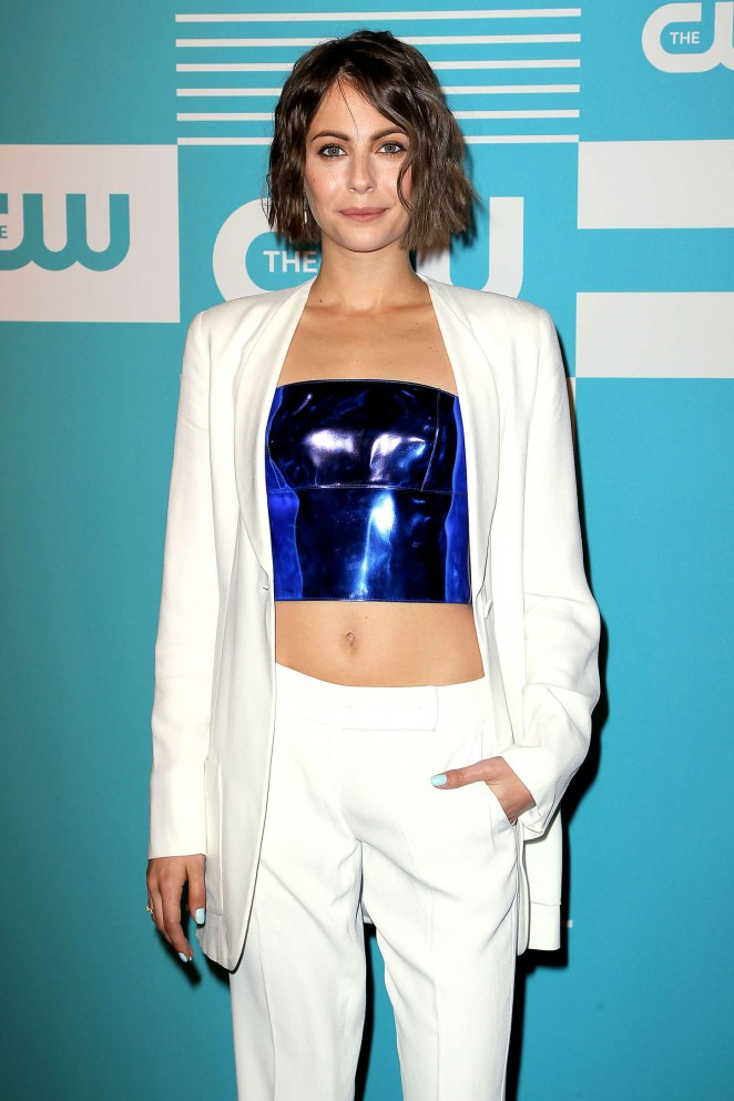 Willa Holland Bra Pictures