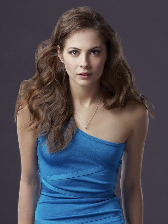 Willa Holland Hair Style Pics