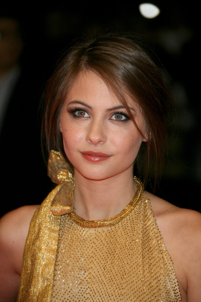 Willa Holland Makeup Images