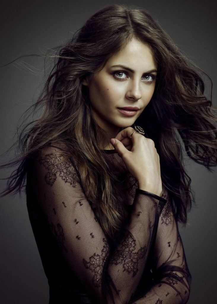 Willa Holland Makeup Photos