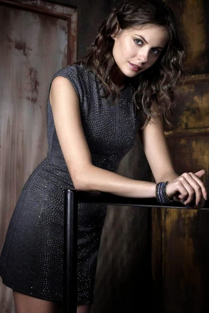 Willa Holland Muscles Pics