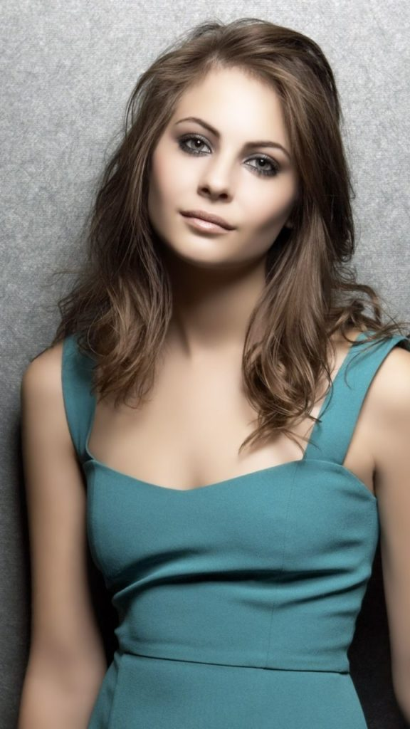 Willa Holland Pics