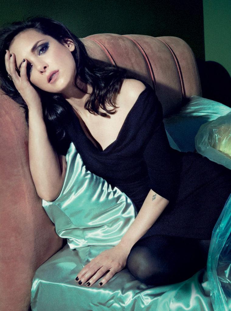 Winona Ryder Bold Images