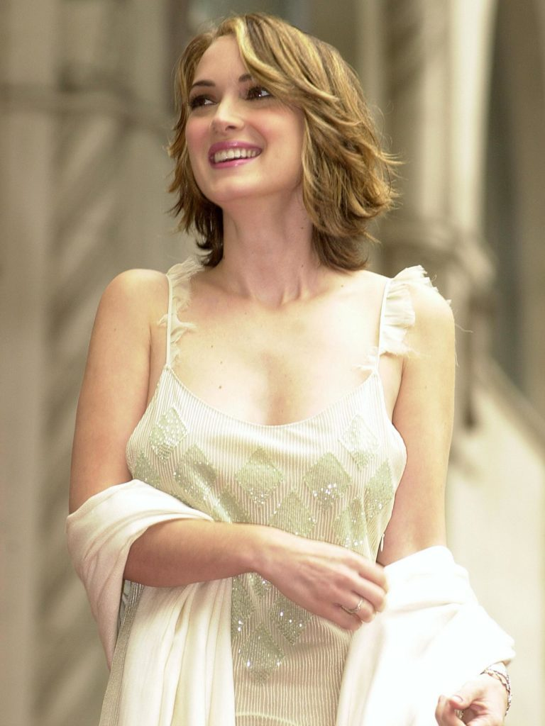 Winona Ryder SMile Face Photos