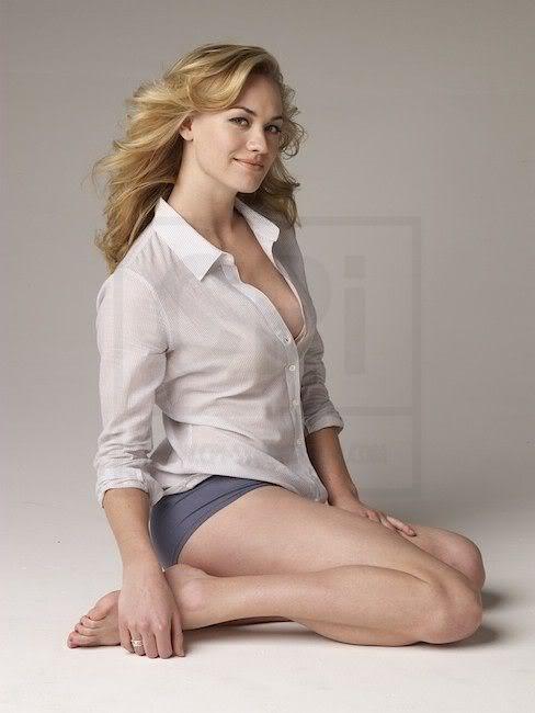 Yvonne Strahovski Bikini Pics