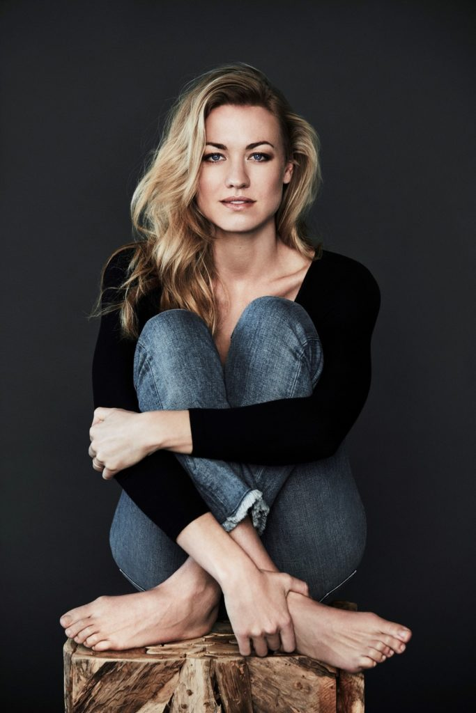 Yvonne Strahovski Jeans Wallpapers