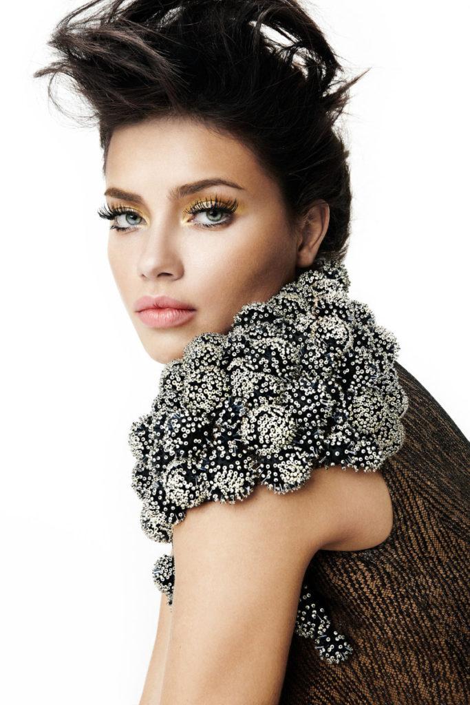 Adriana-Lima-Sexy-Eyes-Pics