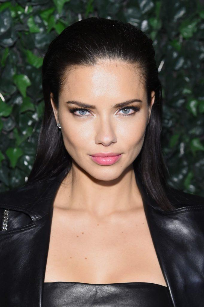 Adriana-Lima-Sexy-Photoshoot