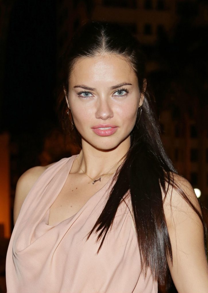 Adriana-Lima-Sexy-Pictures