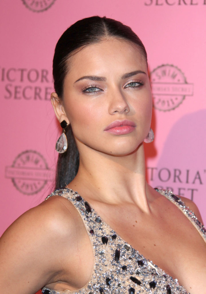 Adriana-Lima-Topless-Images