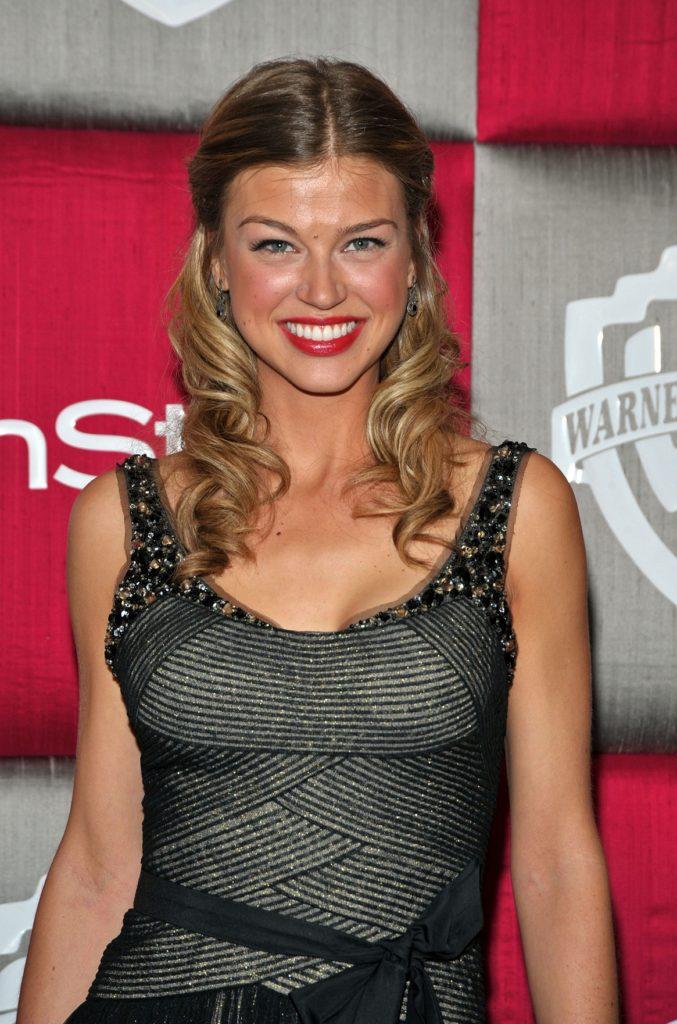 Adrianne-Palicki-SMile-Pics