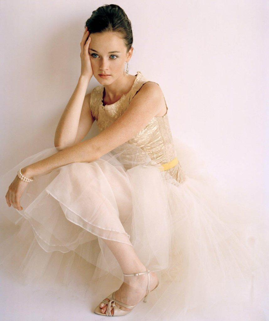 Alexis-Bledel-Feet-Photos