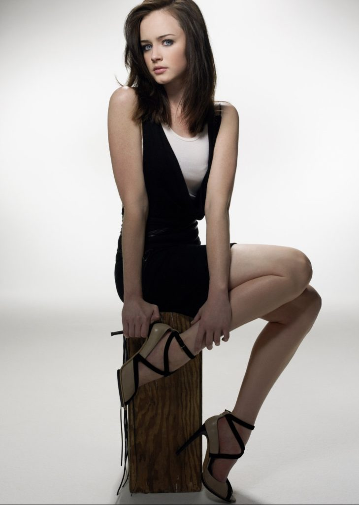 Alexis-Bledel-Shorts-Images