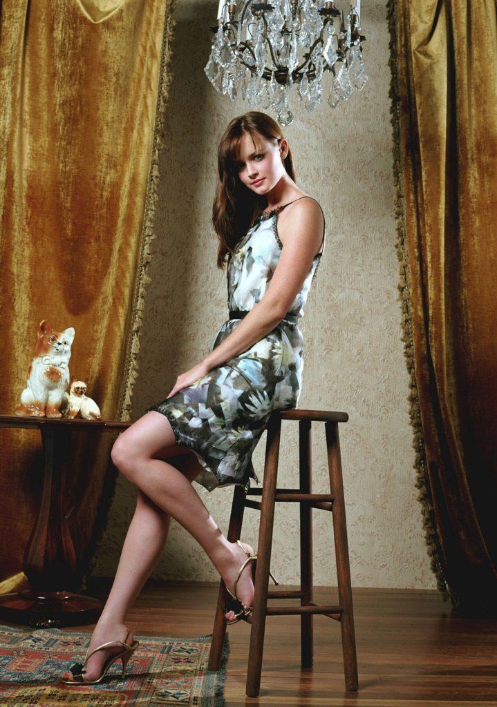Alexis-Bledel-Undergarments-Photos