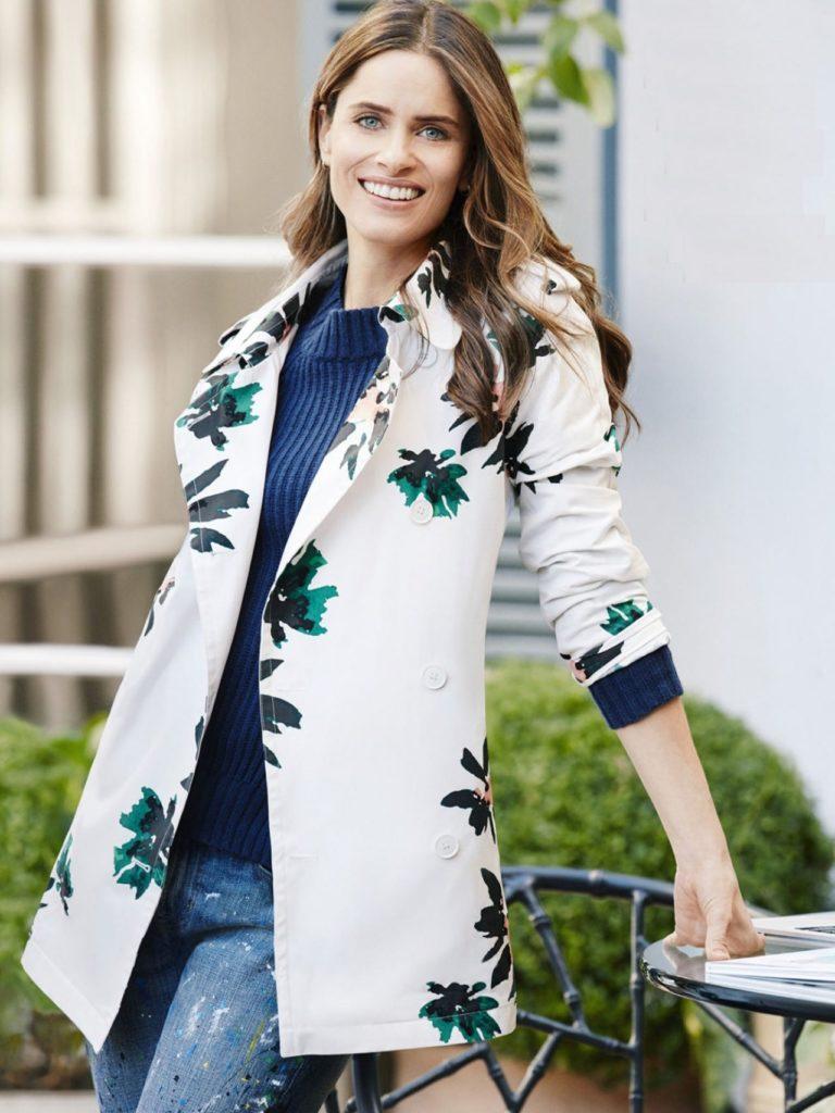 Amanda-Peet-Jeans-Wallpapers