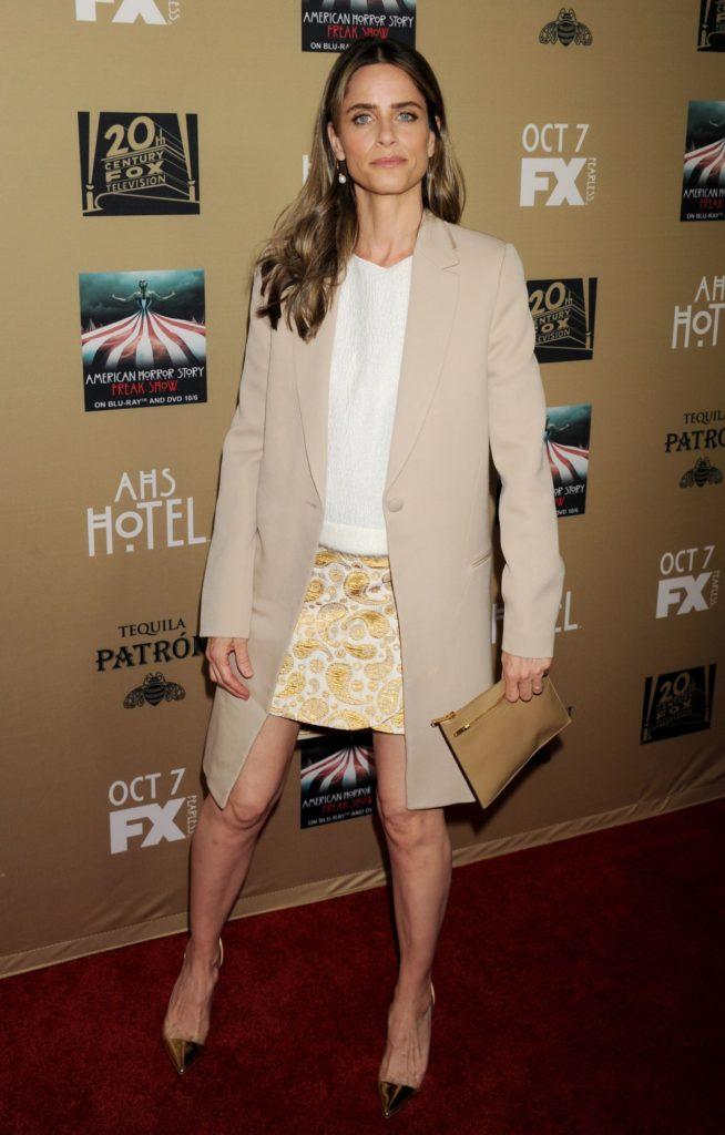 Amanda-Peet-Legs-Images