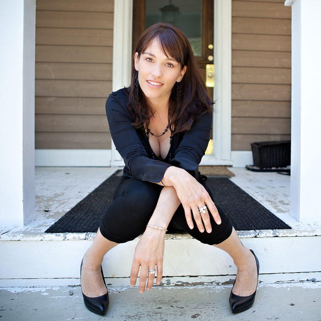 Amy-Jo-Johnson-Feet-Photos