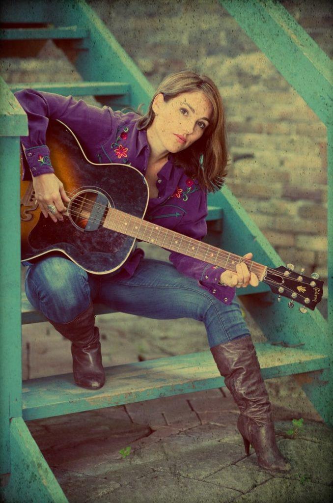 Amy-Jo-Johnson-Jeans-Pics