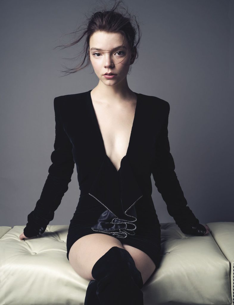 Anya-Taylor-Joy-Bikini-Pics