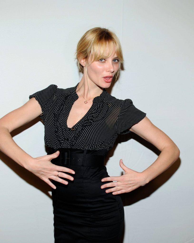 April-Bowlby-Makeup-Images
