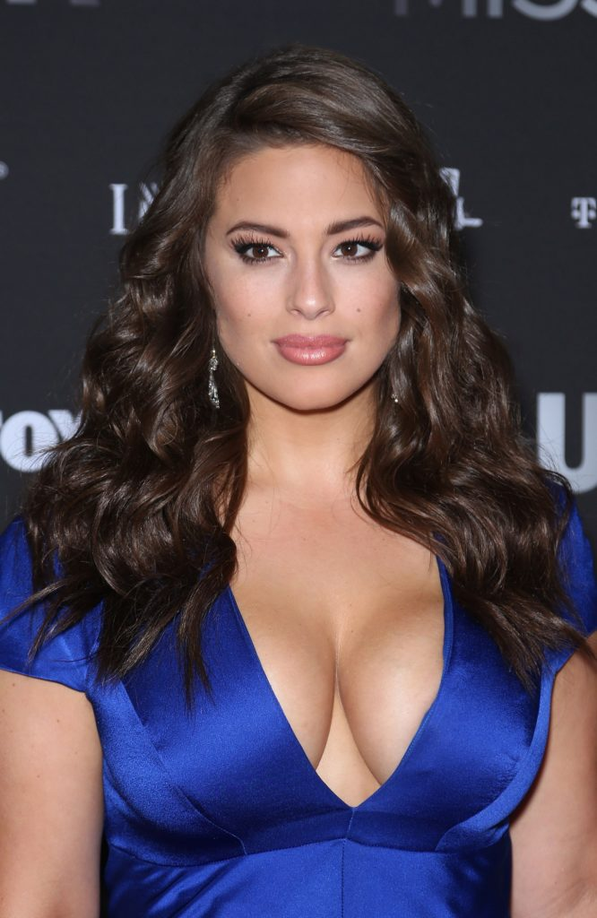 Ashley-Graham-Braless-Pictures