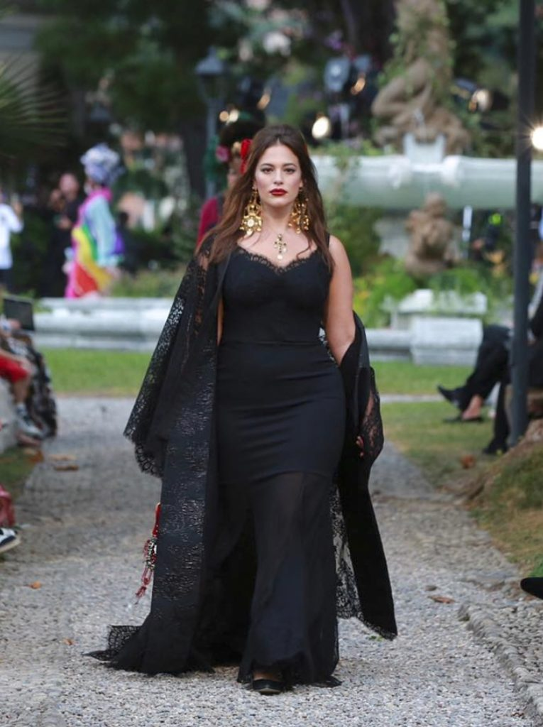 Ashley-Graham-Gown-Pictures