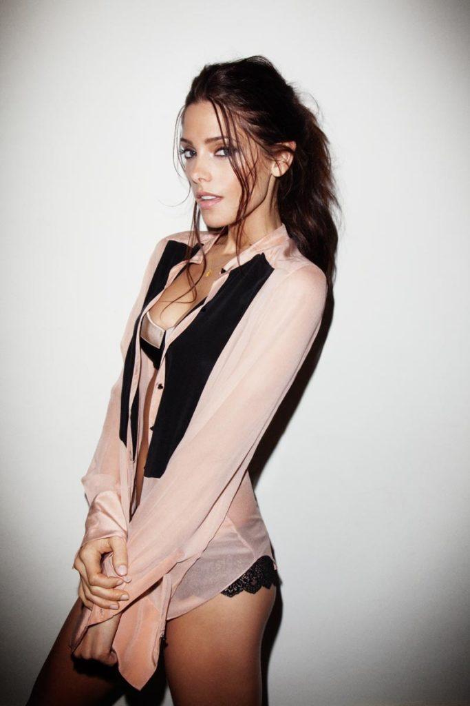 Ashley-Greene-Bathing-Suit-Images