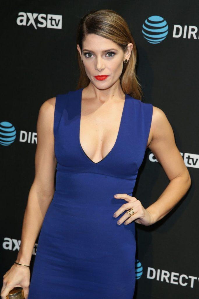 Ashley-Greene-Breasts-Pics
