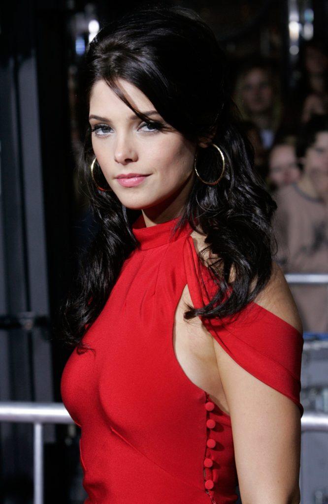 Ashley-Greene-Cute-Photos
