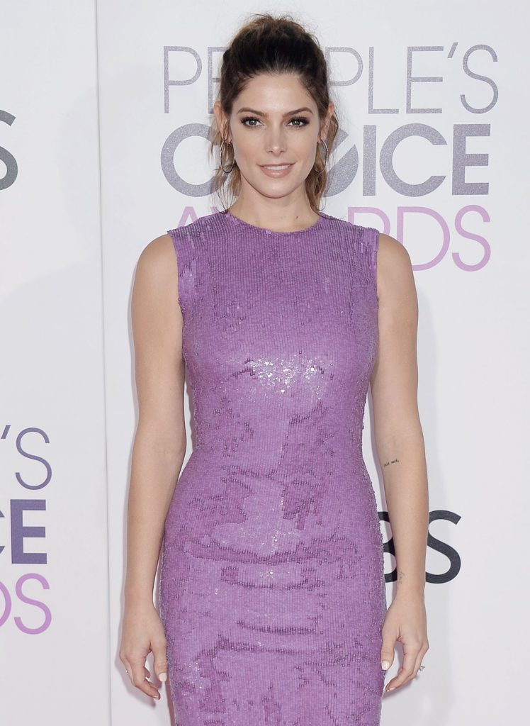 Ashley-Greene-Gown-Images
