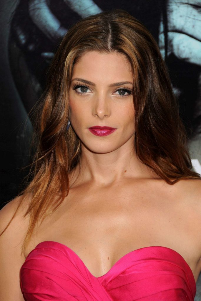 Ashley-Greene-Sexy-Eyes-Photos