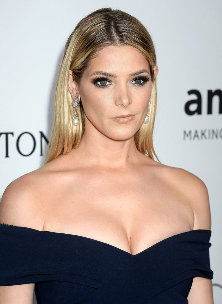 Ashley-Greene-Topless-Pictures