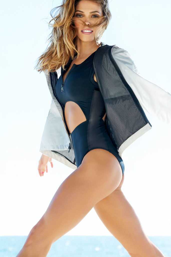 Ashley-Greene-Undergarments-Photos