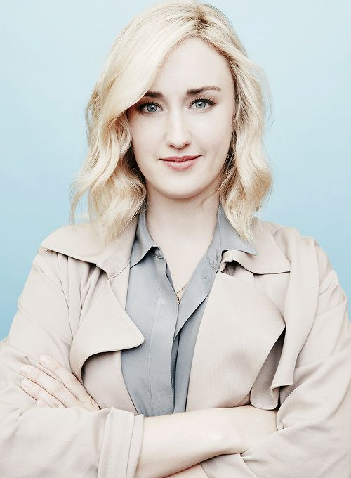 Ashley-Johnson-Hot-Pictures