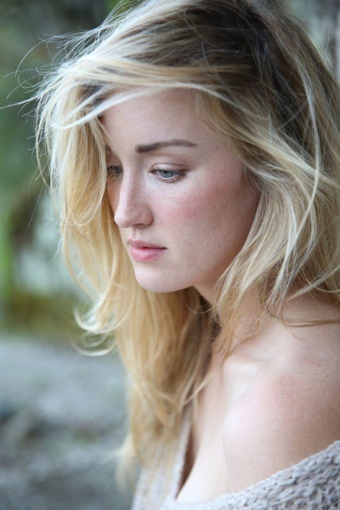 Ashley-Johnson-Images-gallery