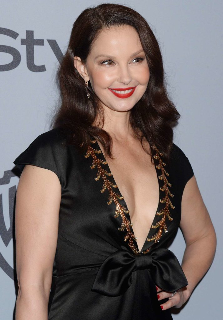 Ashley-Judd-Breasts-Pictures