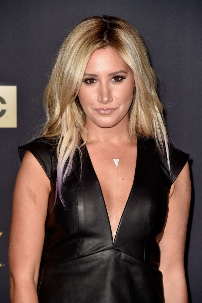 Ashley-Tisdale-Sexy-Eyes-Pictures