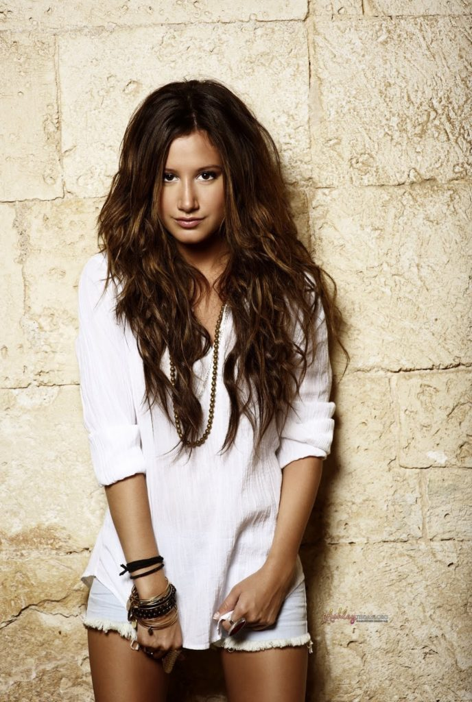 Ashley-Tisdale-Skirts-Pictures