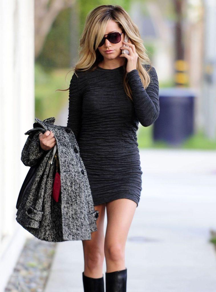 Ashley-Tisdale-Thghs-Pics