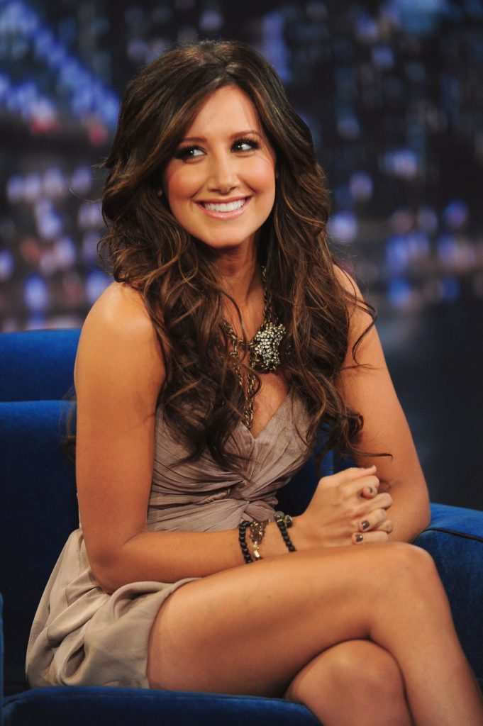 Ashley-Tisdale-Thighs-Pictures