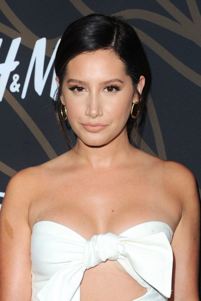 Ashley-Tisdale-Topless-Pictures