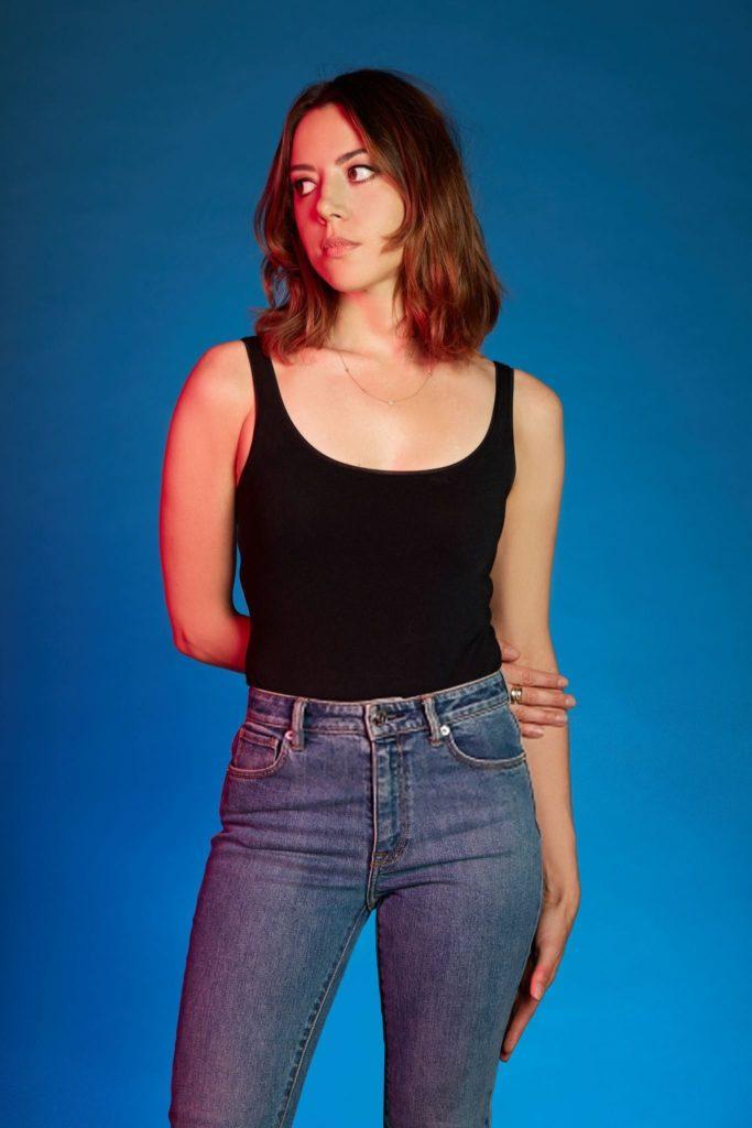 Aubrey-Plaza-Jeans-Pics