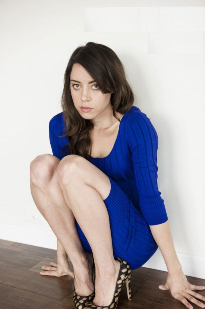Aubrey-Plaza-Legs-Pictures