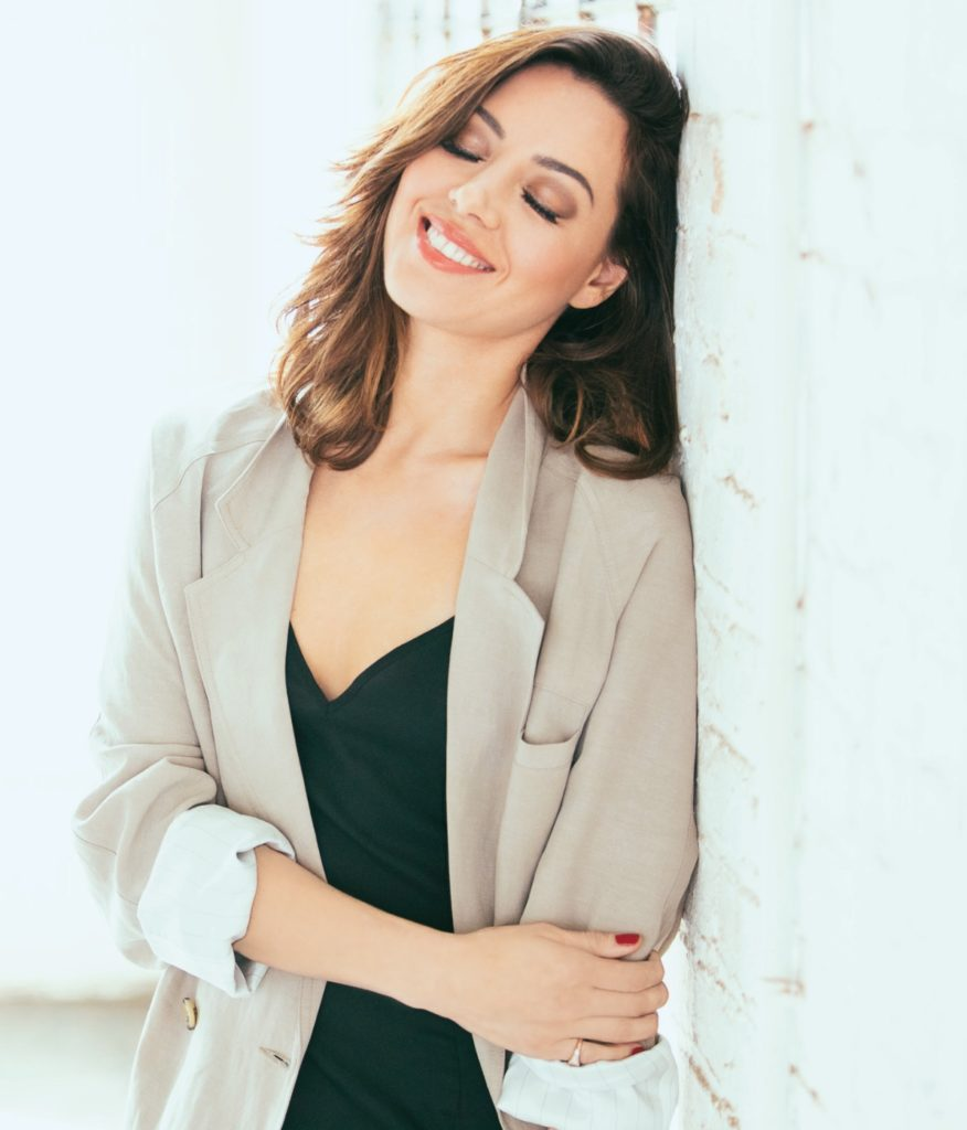 Aubrey-Plaza-Sexy-Smile-Pictures