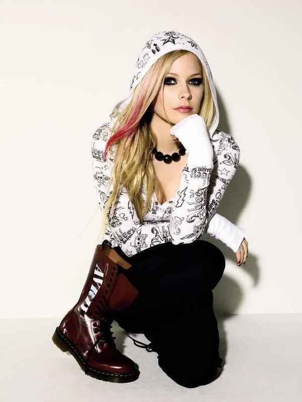 Avril-Lavigne-Jeans-Images