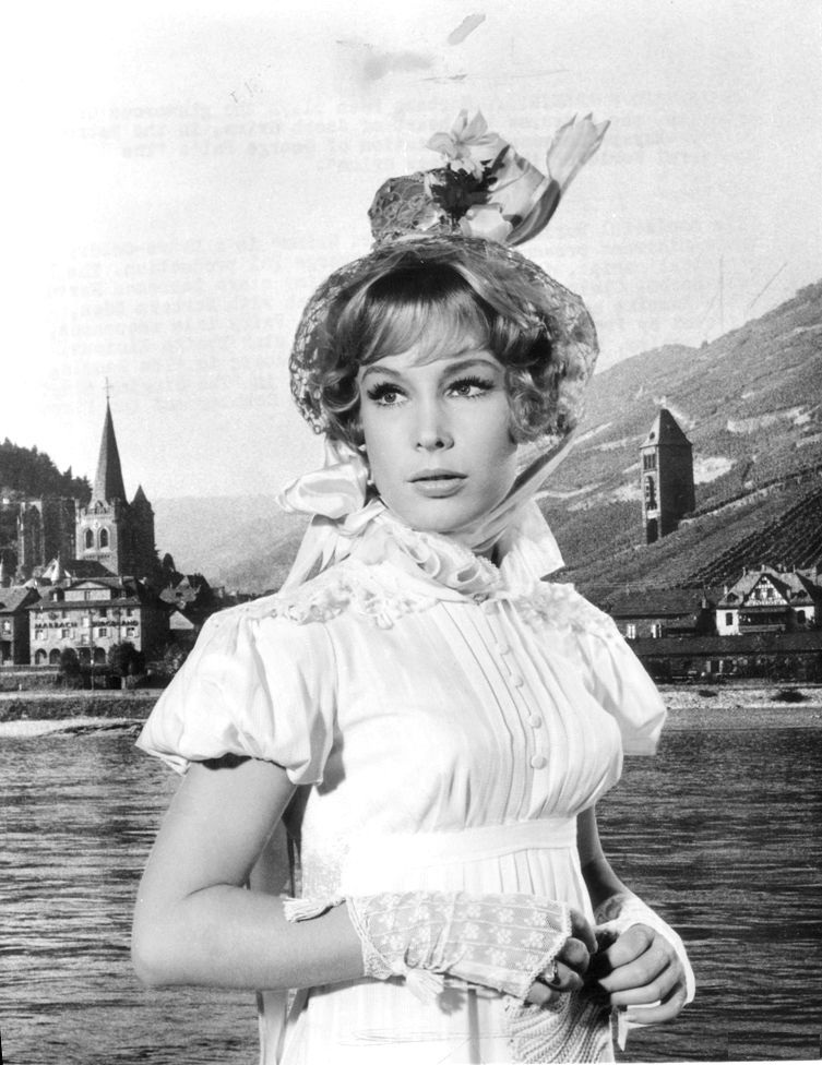 Barbara-Eden-Young-Images
