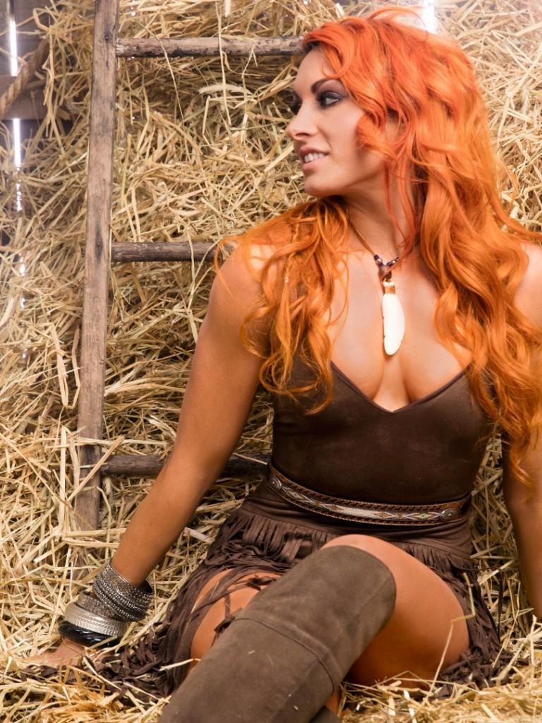 Becky-Lynch-Topless-Photos